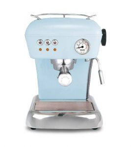 Ljusblå espressomaskin i retrostil, ljusblå färg. Från Magasin11.