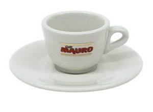 Espressokopp i vitt porslin - finns hos Magasin11